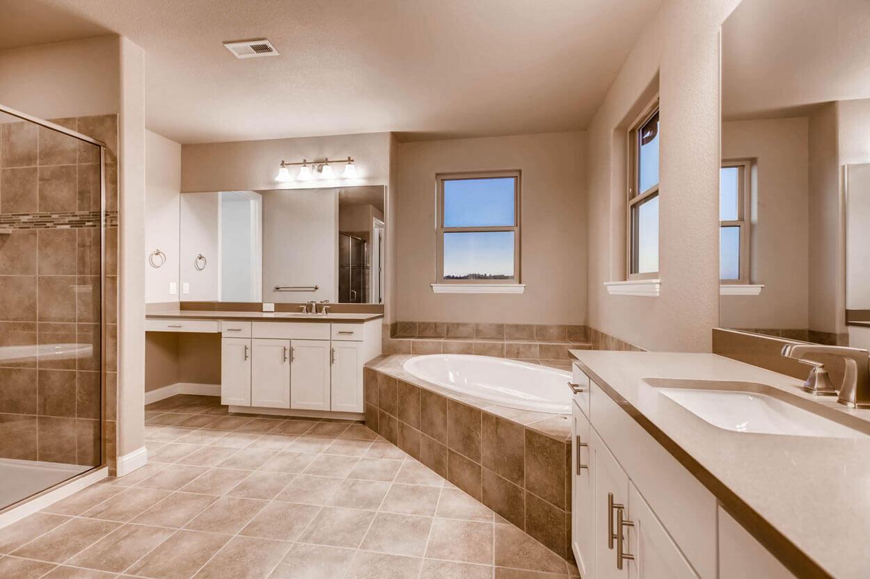 Beautiful Master Bathroom | Pradera Colorado